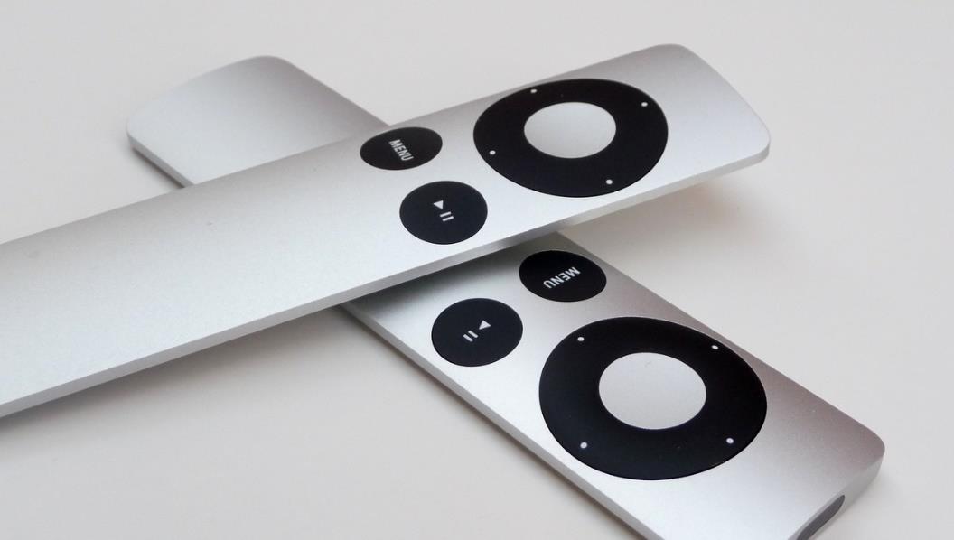 更にシンプルな AppleTV のリモコン